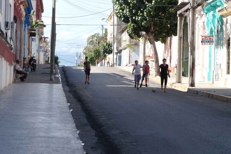 BeMyMajorAdventure_Blog_Voyage_Cuba_Cienfuegos_Rues_Enfants4